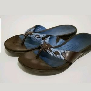 Array Zu Thong Sandals
